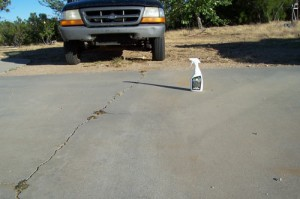 Using DE-OIL-IT completely removed any evidence of the oil stain on this driveway.