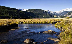 The South Platt River in Colorado, known for it's great fishing, is being polluted by an oil leak.